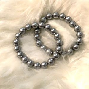 Set of two faux pearl bracelets